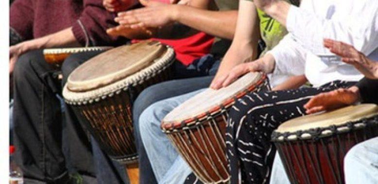 djembe-drumming-820x400